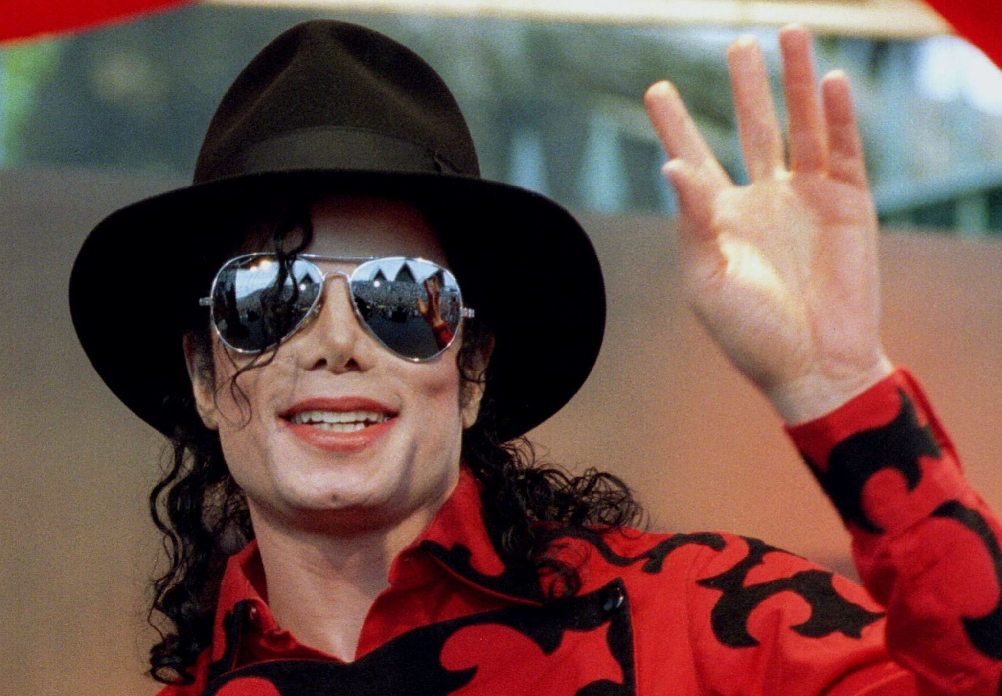 Michael Jackson Estate sells music to Sony in $750m deal