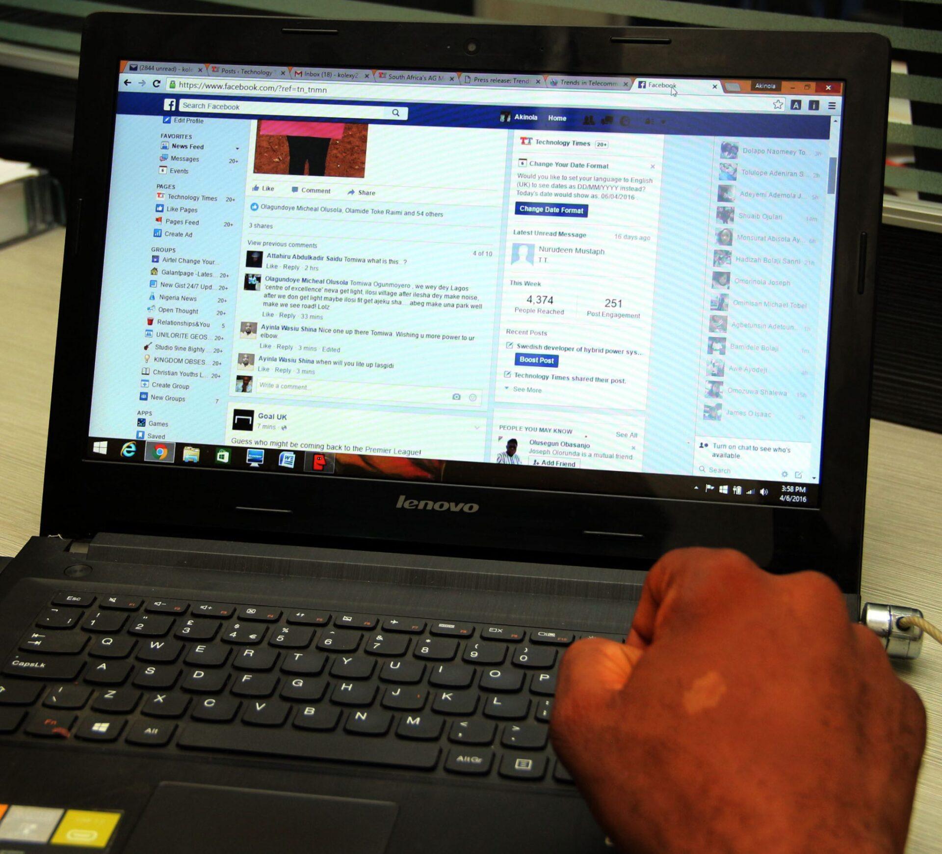 Facebook Live Chat goes live
