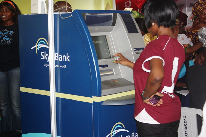 cashless, 'Cashless Nigeria' spikes ATM payments to ₦2.6 trillion at mid-2016, Technology Times
