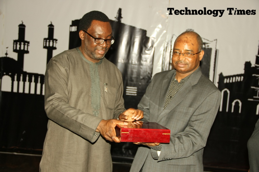 The winner was announced at the Technology Times Outlook 17, #TTOutlook17, in Lagos when the Engineer Aliyu Aziz, the Director General/CEO of National Identity Management Commission (NIMC) and Mr Steve Ayorinde, Commissioner for Information and Strategy, Lagos State, jointly unveiled the plaque at a cocktail wrapping up the two-day annual summit held at The MUSON Centre in Lagos.