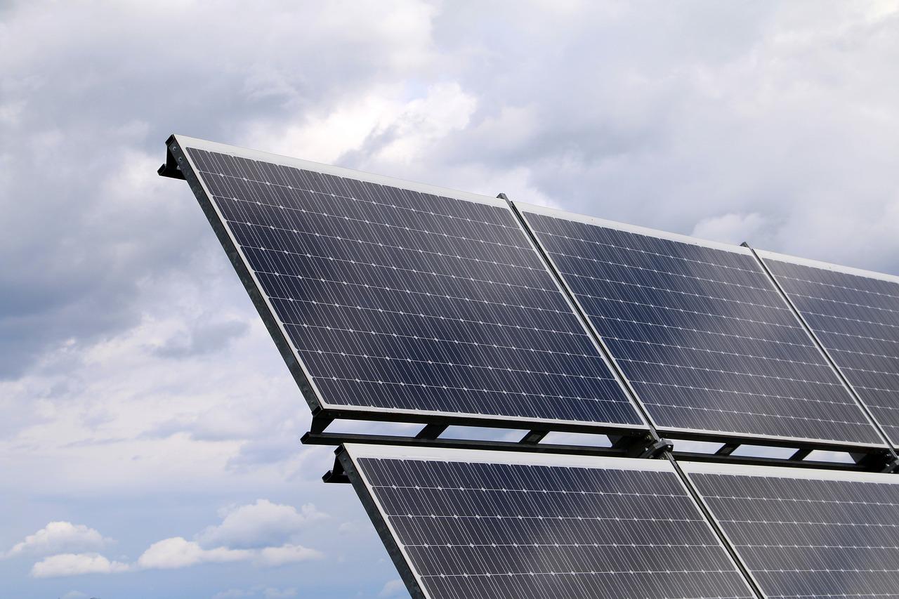 Nigeria market lights up Lumos solar power devices