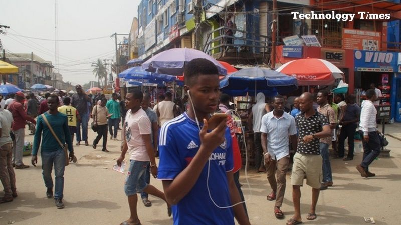 Nigeria's embargo on Chinese phones 'hit top players'